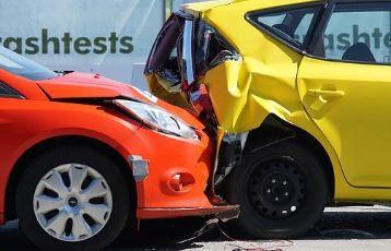 다이렉트 자동차보험 단점은 보험설계사가 없는 것 입니다.